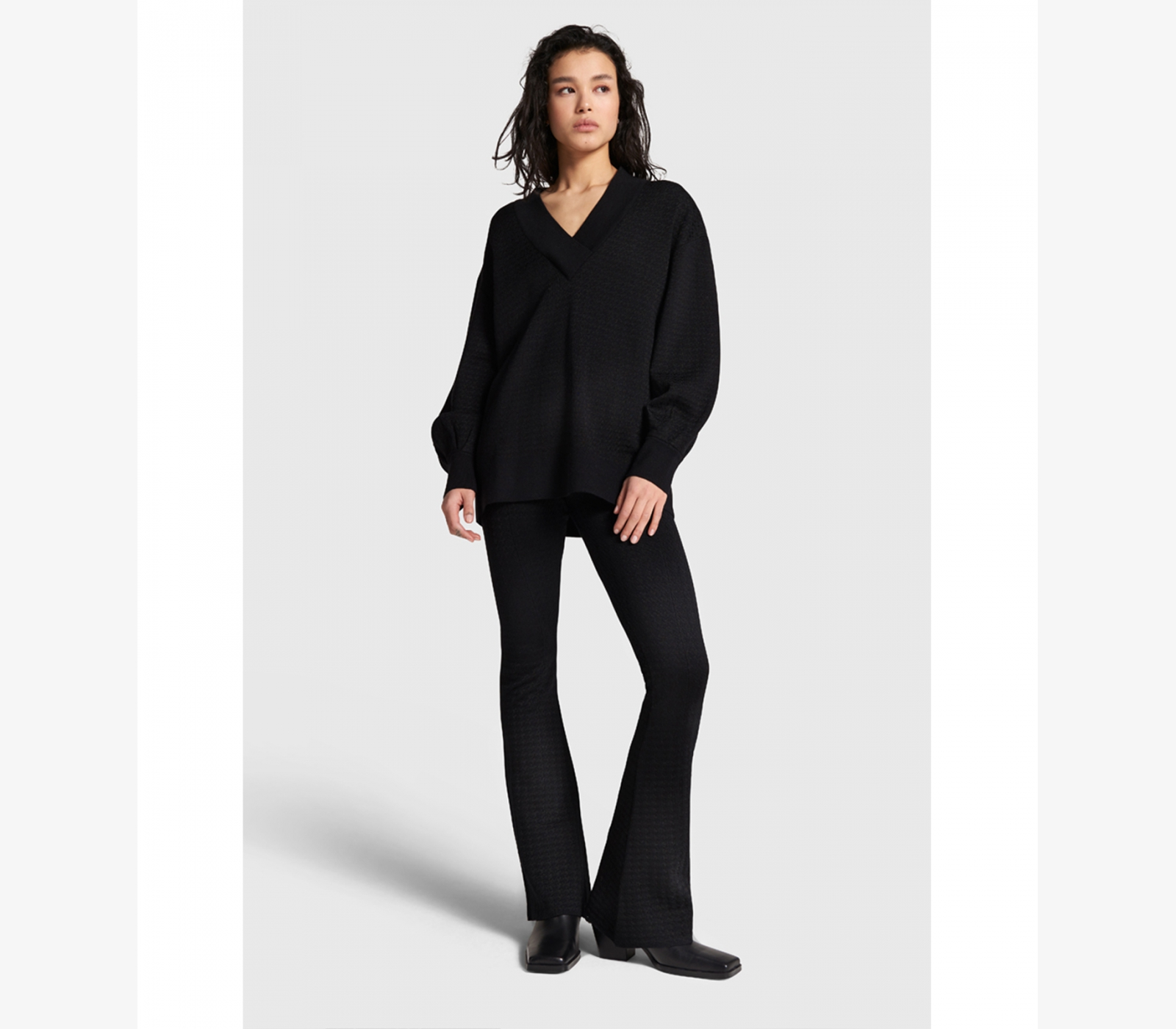 ALIX ladies knitted flared pants – black