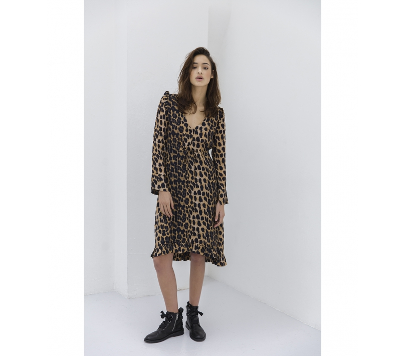 FLOWY LEOPARD DRESS